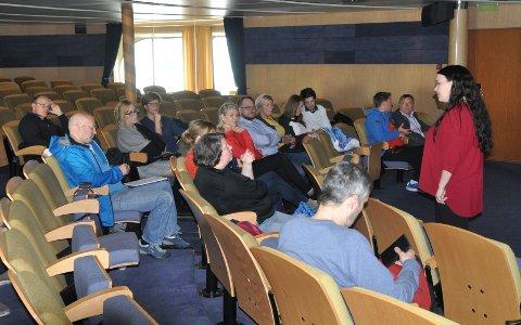 MULIGE FREMTIDIG SAMARBEID: Næringslivsaktører i Nordkapp møtte Sigrid Mogård-Jansen fra Hurtigruten.