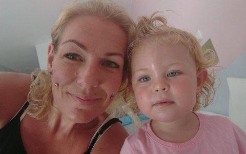 Carine Brandsrød (42) og datteren Emina hadde en dramatisk natt til fredag da Kos ble rammet av jordskjelv.
