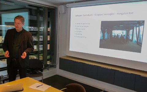 Ser mørkt ut: Gaute Jacobsen er bekymret for museets fremtid dersom kommunen ikke øker tilskuddet til Fredrikstad museum..