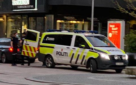 Politiet fikk raskt kontroll på personene som kastet rundt på sparkesykler.