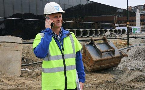 Prosjektleder for Ålgård sentrum, Sven–Olav Jensen, sier at kommunen stiller 260 parkeringsplasser til rådighet for Norwegian Outlet–åpningen. Arkivfoto: Kirsten Håland
