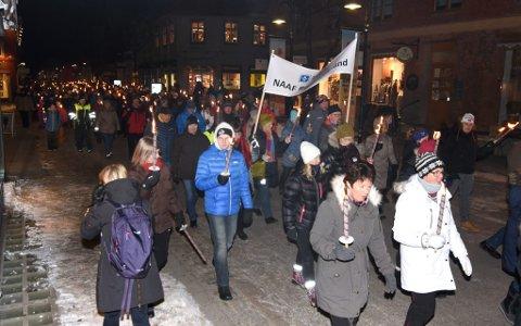 Hundrevis av personerdeltok  i november i fakkeltog for å bevare Granheim Lungesykehus.