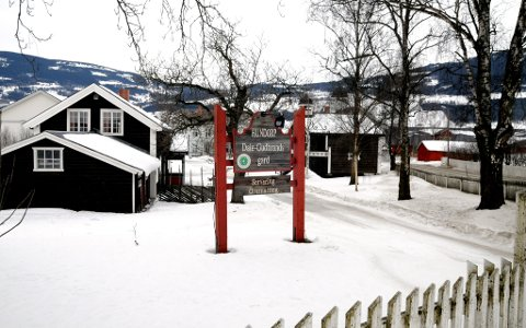 HISTORISK: Hundorp er ett av de viktigste historiske stedene i Gudbrandsdalen. Bildet er fra Dale-Gudbrands gard.