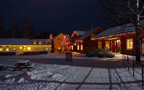 TRADISJON: Lysfest og åpning av juletiden på Hadeland Glassverk. I år blir det også pyroshow - og det bekymrer flere.
