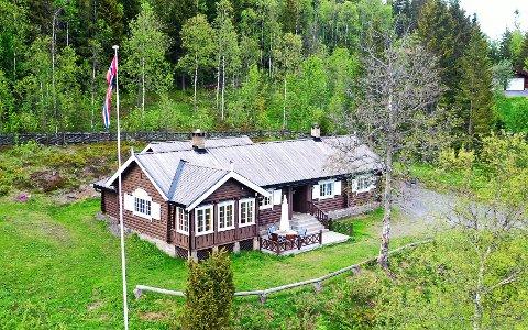 Liavegen 11: Solgt for kr 4.250.000 fra Idun Livsfors.selskap til Siri Solveig N Hermansen.