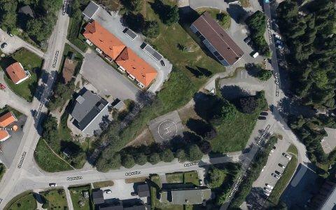 NYETABLERINGER: Den gamle helikopterplassen i Aspeveien kan bli til ti nye boliger når reguleringsarbeidet avsluttes tidlig neste år. Det er Halden kommune og flere private familier som i samarbeid ønsker å bygge boliger for personer med særskilte behov.