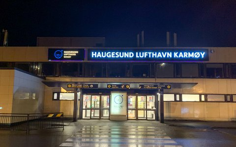 TRAFF FUGLER: Et fly på vei til Alicante måtte avbryte reisen fra Haugesund lufthavn Karmøy.