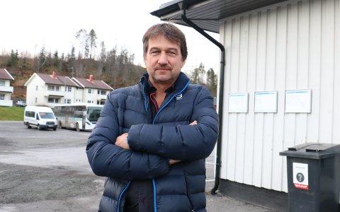 Ordfører Ivan Haugland sier at det har vært jobbet godt i Leirfjord kommune for å sikre bredbåndsutbygging. Snart er det oppstart. - Etterlengtet, sier han.