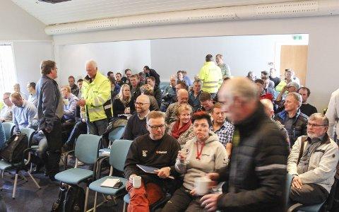 Stor interesse: Svært mange hadde møtt opp for å høre om Eolus Vinds planer for Øyfjellet. Bilder: Rune Pedersen