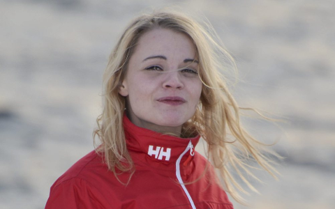 I VINDEN MED NY JOBB: Linn Mørch Pettersen (29) er ansatt som flyktningkonsulent i Lebesby. FOTO: KENNETH STRØMSVÅG