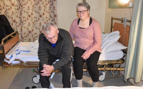EN SISTE SJEKK: Kreftsyke Jan-Harald Ulvestad og kona Greta Ulvestad er på sykehuset for en siste sjekk før jul.