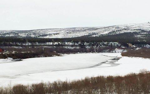 ISLAGT: Det er ikke antdyning til isgang i Karasjohka. Dette bildet er tatt om morgenen 16. mai.
