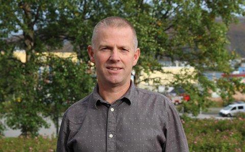 TAR ANSVAR: Divisjonsdirektør for næring og kompetanse, Børre Krudtå, sier at fylkeskommunen tar samfunnsansvar med å bidra til redusert smittespredning.