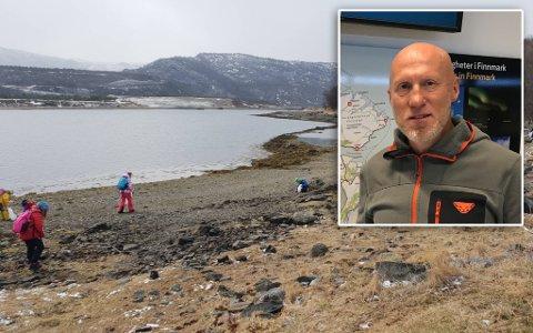 ÅRLIG: Mange frivillige og mye tid går med til å rydde strender for søppel, år etter år. – Ganske mange tusen dugnadstimer blir lagt ned, sier Hugo Tingvoll.