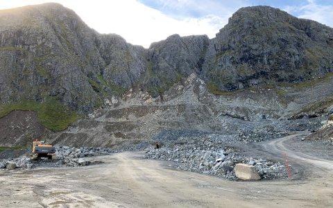 SØKSMÅL: Einar Robertsen, eier av Honningsvåg Maskinstasjon AS, ble saksøkt av firmaet Odd Mathisen AS. Nå er også ankesaken behandlet i Hålogaland lagmannsrett. Bildet er tatt i steinbruddet som eies av Robertsen.