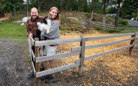 Anette og Torleif Mørk forteller at de har hatt en drømmestart på Hjorteparken, som åpnet dørene for to år siden.