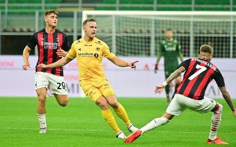 FRA FRØYLAND STADION TIL SAN SIRO: Marius Lode i aksjon mot AC Milan.