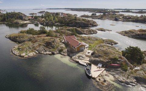 15 mill.: Denne hytta på Buholmen er solgt for 15 millioner kroner. Foto: Privatmegleren