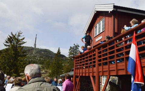 NY EIER: Knutehytta får ny eier. Overtakelse skjer 1. oktober, men mye skal på plass før hytta åpnes, trolig senere i år. Dette bildet ble tatt i forbindelse med re-åpning i 2016.