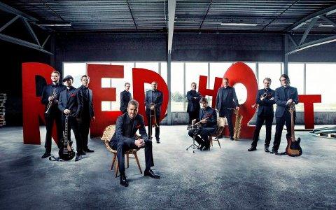 RED HOT: Bandet lover et forrykende show under årets jazzfestival.