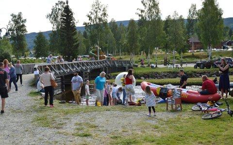 VANNLEK: Aktiviteter i vannet står på programmet også under årets utgave av Vegglidagen.