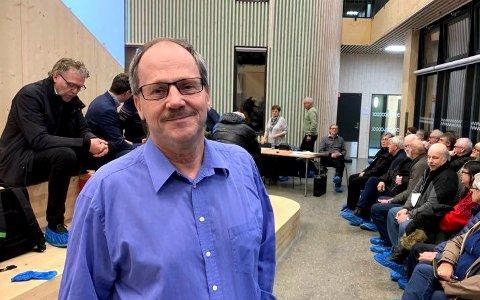 VIL FORTSETTE: Styreleder Herbjørn Teksle sier de vil fortsette fusjonsplanene med Rollag, helt uavhengig av Ringerikskrafts indikative bud.