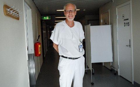 Glad i jobben sin: Kjell Berget, spesialist i generell indremedisin og kardiologi, er kåret til Årets lege i Buskerud. Han har jobbet på Kongsberg sykehus siden 1988.