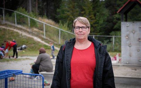 Sårbart: Kari Skulstad, styrer Jondalen barnehage, er glad ingen ansatte er syke per i dag. Men hun er spent på hvordan høsten og vinteren vil bli. Med kun fem ansatte er de veldig sårbare.