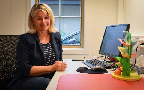 PURRER: Vaksineansvarlig Hilde Foss purrer på dem i Kongsberg som ennå ikke har registrert seg i vaksinekøen.