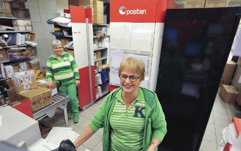 Post i butikk: Kiwi Svolvær Sentrum med Post i butikk er stengt fra kl. 16.00 på lørdag, og åpner først tirsdag.