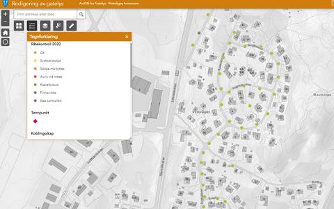 Eksempel på oversiktskart der hvert gatelys er registrert, og med en fargekode som sier noe om tilstanden til stolpen og lysarmaturet. Her fra et område der det ser bra ut, derav grønn farge på punktene.