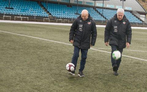 CUP: Alt tyder på at Jan Ove Pedsersen (til venstre) og Karl Igland får dratt i land Lyngdal Cup i år. Men opplegget blir først spikret mandag kveld.
