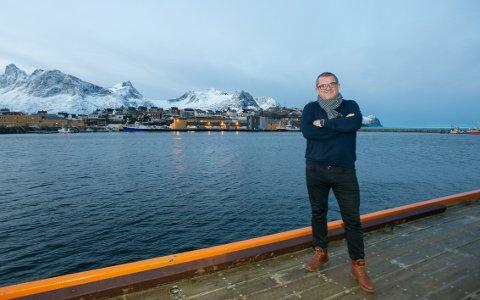 POSITIVITET: Gode forbilder og positivitet blant innbyggerne på Husøy gjør at Rolf Bjørnar Tøllefsen tør å investere i både hotell og fiskebåter.