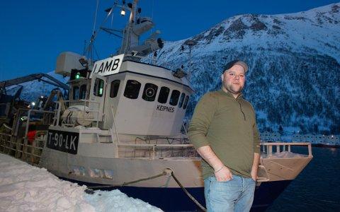 FØRSTE DAG: Dette var første dag som skipper for 26-åringen Henrik Meland. - Dette er desidert den råeste dagen jeg har hatt på havet noen gang, så dette blir ikke glemt med det første, smiler han.