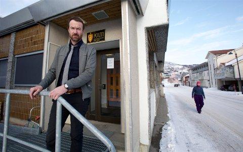 VURDERINGER: Skjervøyordfører Ørjan Albrigtsen sier det er for tidlig å si noe om hvorvidt kommunen vil kreve erstatning fra daglig leder og revisor etter skandalen i det kommunalt eide selskapet.