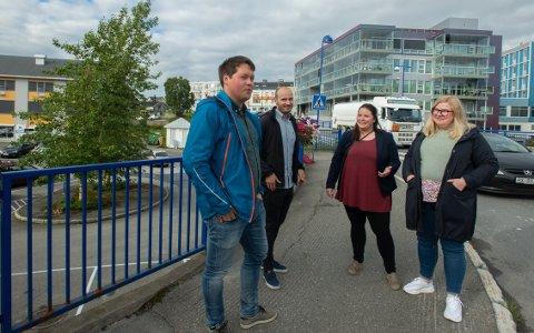 SOSIALT NETTVERK: Traineeprogrammet sørger for at alle nye går rett inn i et etablert sosialt nettverk. Ørjan Berntsen, Morten Mæland Bakketun, Hanne Mette Hustad og Rikke Nyheim Steiro.