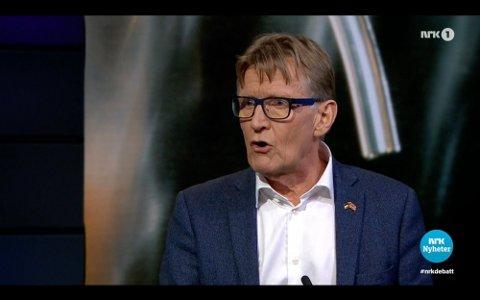 FARLIG: Tidligere Rødt-politiker og lege Mads Gilbert mener det var farlig av Stortinget å blande seg inn i enkelttiltak. Det skaper både uro og forvirring, sa han. Foto: NRK