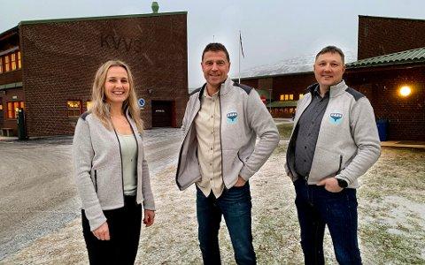 GÅR NYE VEIER: Solveig Torbergsen, Inge Takøy og Oddbjørn A. Johnsen på Kvaløya videregående skole starter åpent idrettstilbud for fotball og ski, for første gang i Tromsø også for elever som tar yrkesfag.