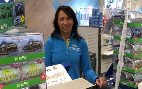 MANGEMILLIONÆR: Daglig leder Bodil Haugen ved Mix på Bergfoss våknet til nyheten om at en av kundene hennes har blitt lottomillionær.