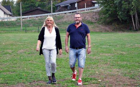 LØRDAG: Kreftforeningens «Stafett for livet» arrangeres i Badeparken i Sandefjord fra lørdag formiddag, Stafetten varer i 24 timer.  - Stafetten er et symbol på at kreftsykdom aldri tar pause, sier Anita Elinor Gustavsen Larsen og Jarle Gogstad.