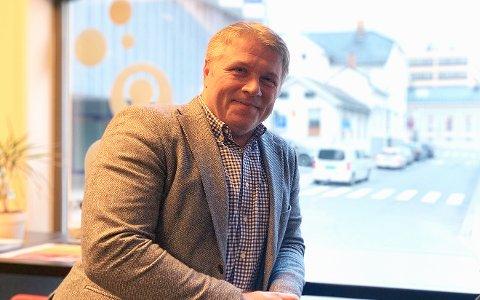 SØKNADSFRISTER: Jørgen Johansen, næringsrådgiver i Larvik kommune, oppfordrer alle som kan søke om penger for å dekke eventuelle tapte inntekter den siste tiden.