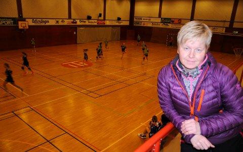 SØKER OM STØTTE: Daglig leder Gro Røsten Oldertrøen i Tynset Idrettsforening.