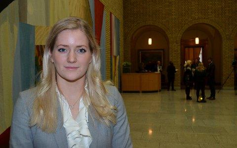 FOR DYRT: Stortingsrepresentant Emilie Enger Mehl (Sp) mener bensin og diesel er blitt for dyrt takket være høye avgifter.