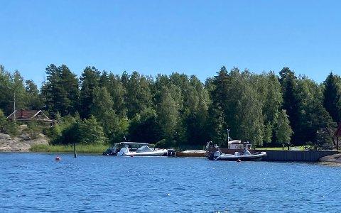 Til venstre i bildet ser du hytta som Kristian og Bettina Lundkvist har kjøpt.