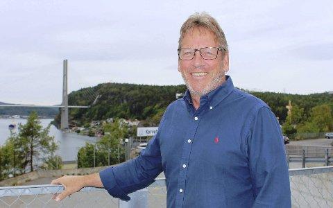 MÅTTE AVLYSE: Magne Ravlo og Nye Veier ble tvunget til å avlyse konkurransen om å bygge ny Grenalndsbru og ferdigstille tunnelene på begge sider av fjorden. Han tror likevel at den nye brua og hele prosjektet er ferdig til 2024 som planlagt.