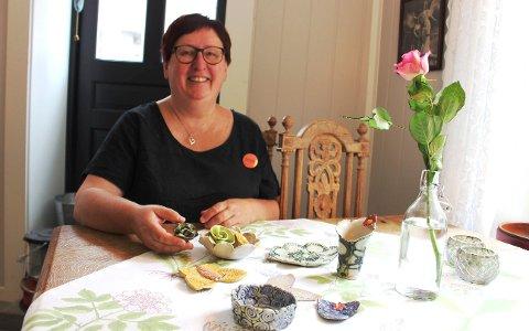 KERAMIKK: Marit Sandtangen på Ankerplassen i Brevik.