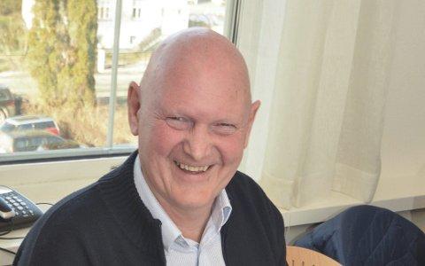 SETTER FART: Tore Marthinsen og pensjonistforeningen.
