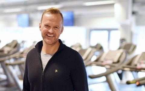 STENGT: Espen Ødegaarden får ikke åpne treningssenteret på Down Town før 15. juni.