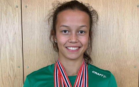 TRE DISTANSER: Lisa Maylen Stensøy løp 400 meter, 200 meter og 1000 meter stafett.