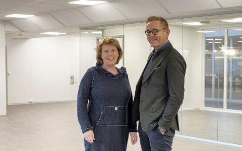 BISTÅR NÆRINGSLIVET: Næringsrdgiver Heidi T. Karlsen og næringssjef Tor Rullestad bistår næringslivet med kompensasjonsordningen.